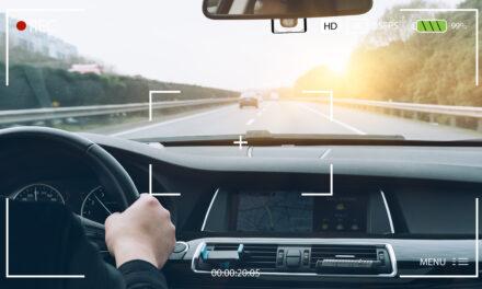 การติดกล้องหน้ารถ มีข้อดีและมีผลต่อประกันรถยนต์ของเราอย่างไร?