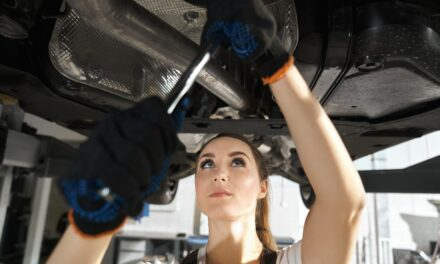 วิธีสังเกตุและวิธีเช็คโช๊คอัพรถของคุณเบื้องต้น ว่ายังมีสภาพที่พร้อมใช้งานอยู่หรือเปล่า